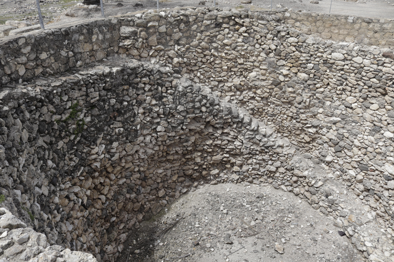 Megiddo: Bronze Age grain silo